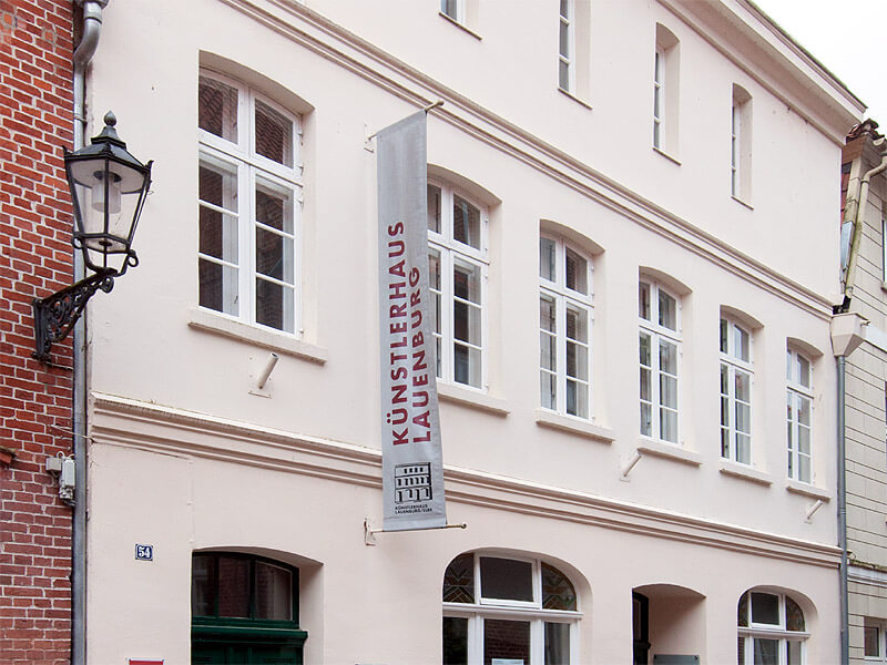 Außenfassade des Künstlerhauses in der Lauenburger Altstadt