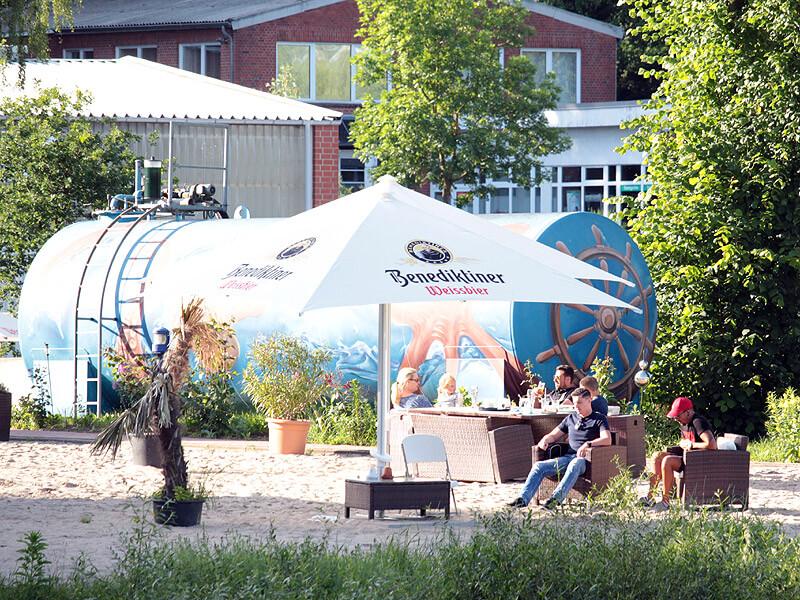 Beachclub im Yachthafen der Marina Lauenburg