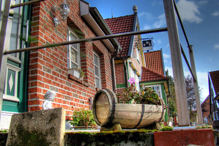 Sehenswürdigkeiten: Dekorationen in der Hunnenburg