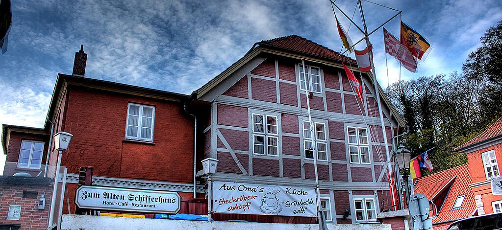 """Restaurant """"Zum Alten Schifferhaus"""" in der Altstadt von Lauenburg"""