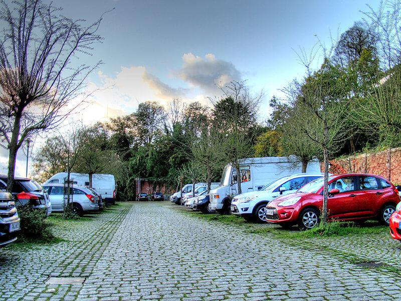Parkplatz am Borkeplatz in der Altstadt von Lauenburg