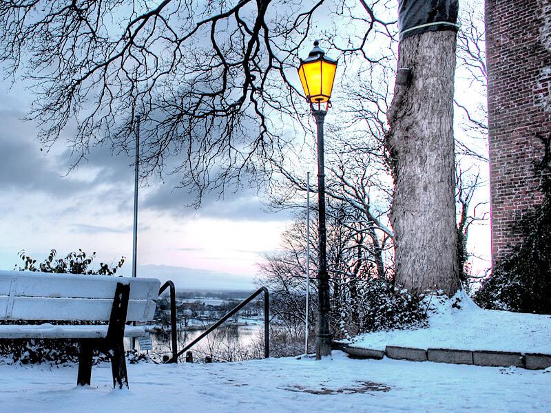 Winterblick vom Schloss auf die Elbe