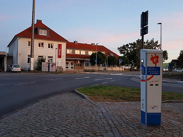 Ladesäule am Lauenburger Bahnhof