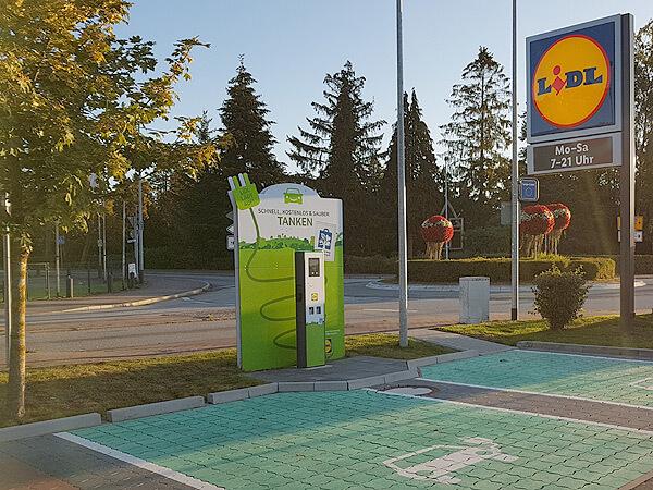 Zwei Ladeplätze für Elektroautos bei Lidl