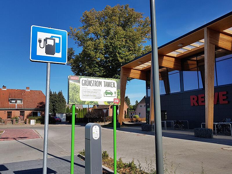 Ladestation bei Rewe in Lauenburg