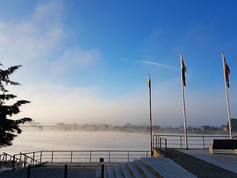 Nebel auf der Elbe vor Lauenburg