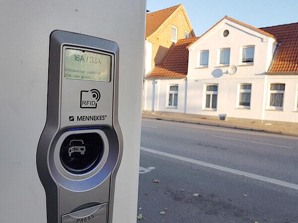 Ladesäule der Versorgungsbetriebe in Lauenburg