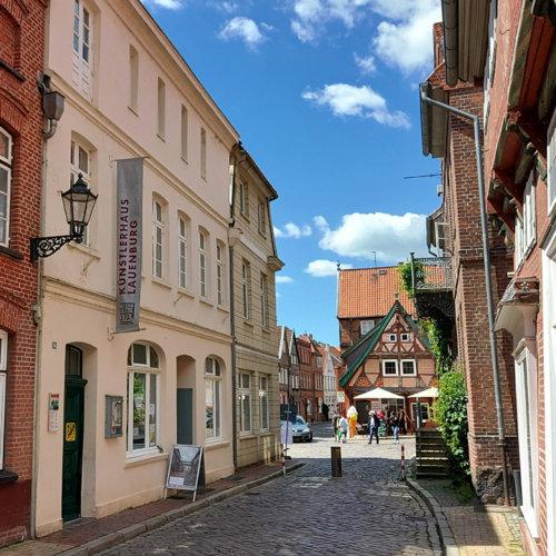 Historische Elbstraße in der Altstadt von Lauenburg