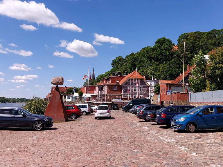Parkplatz Lösch- und Ladeplatz in der Altstadt von Lauenburg