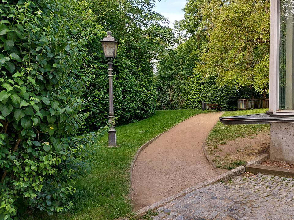 Zugang zum Schloss vom Fürstengarten aus.