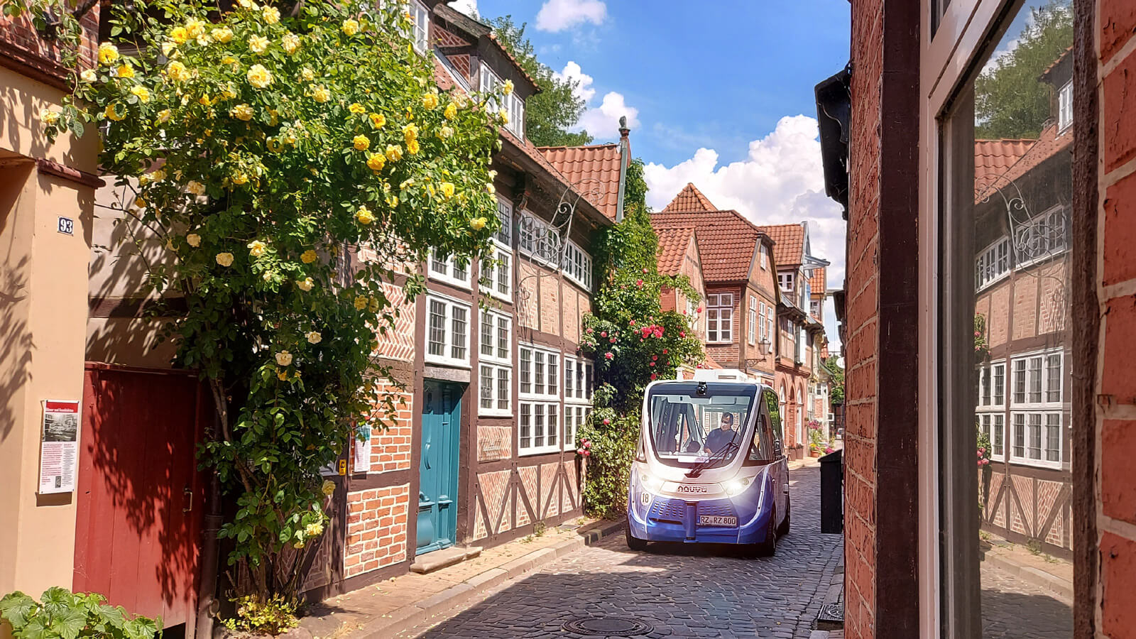 TaBuLa - Der fahrerlose Bus in der Altstadt von Lauenburg